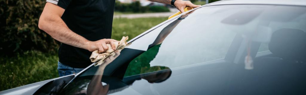 L'astuce pour avoir des vitres de voiture sans aucune trace.